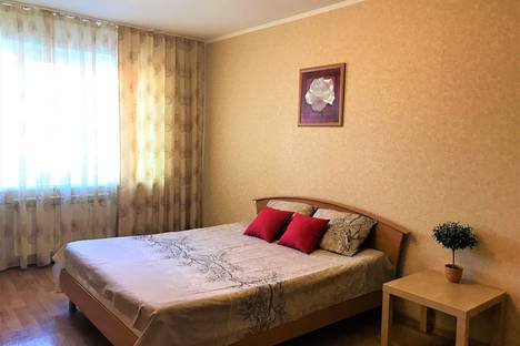 Сдается 2-комнатная квартира посуточно, ул. Ново-Садовая 234.