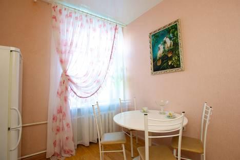 Сдается 2-комнатная квартира посуточнов Екатеринбурге, Ленина 46.