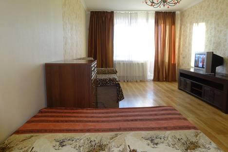 Сдается 1-комнатная квартира посуточно в Магнитогорске, пр.Ленина 142.