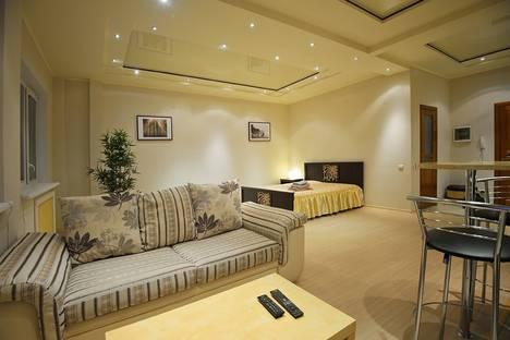 Сдается 1-комнатная квартира посуточно в Омске, Фрунзе 1/3.