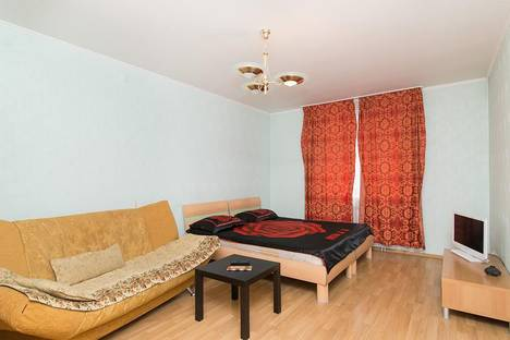 Сдается 1-комнатная квартира посуточнов Екатеринбурге, Фролова 31.