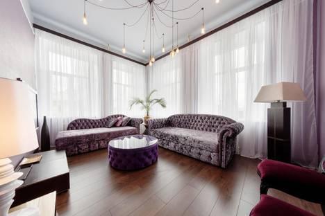 Сдается 3-комнатная квартира посуточно в Санкт-Петербурге, Литейный пр.,38.