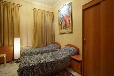 Сдается 1-комнатная квартира посуточнов Санкт-Петербурге, набережная канала Грибоедова 23.