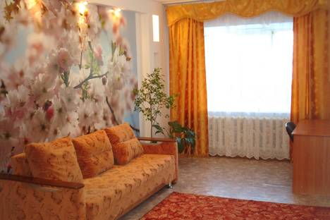 Сдается 2-комнатная квартира посуточно в Благовещенске, ул. Политехническая, 109.