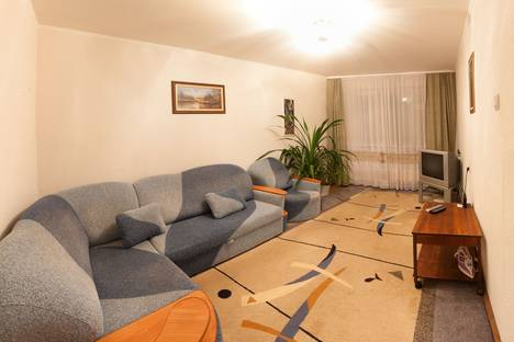 Сдается 3-комнатная квартира посуточнов Ноябрьске, Мира 82а.