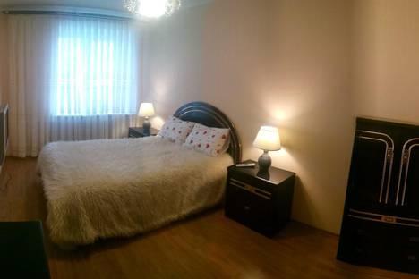 Сдается 2-комнатная квартира посуточно в Чите, ингодинская 15.