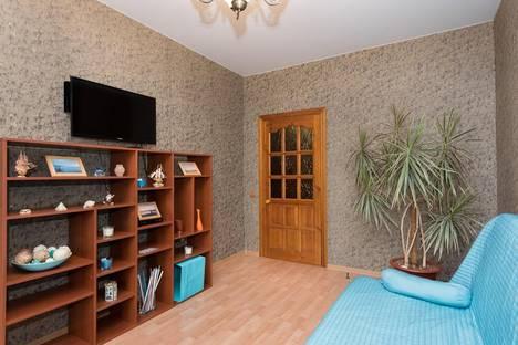 Сдается 2-комнатная квартира посуточно в Екатеринбурге, Ленина 40.