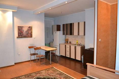 Сдается 1-комнатная квартира посуточнов Тюмени, ул. Василия Гольцова, 3.