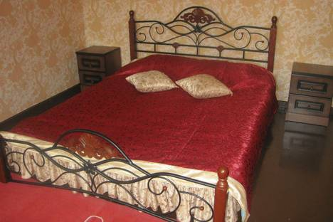 Сдается 2-комнатная квартира посуточно в Комсомольске-на-Амуре, Октябрьский,12.