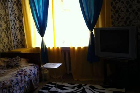Сдается 2-комнатная квартира посуточно в Надыме, ул. Комсомольская, 12/2.