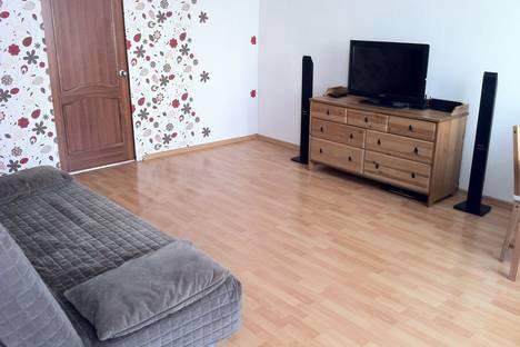 Сдается 2-комнатная квартира посуточно в Нижнем Тагиле, ул. Горошникова, 68.