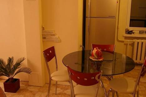 Сдается 1-комнатная квартира посуточнов Нефтеюганске, 2 микрорайон, 12 дом.