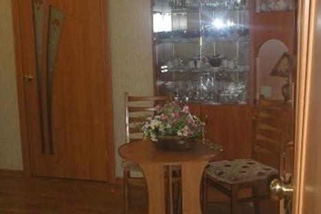 Сдается 2-комнатная квартира посуточно в Феодосии, ул. Федько, д. 30.