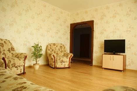 Сдается 2-комнатная квартира посуточно в Абакане, Торосова, 15.