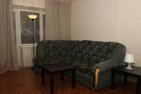 Сдается 2-комнатная квартира посуточно в Новочебоксарске, ул. Молодежная, 16.