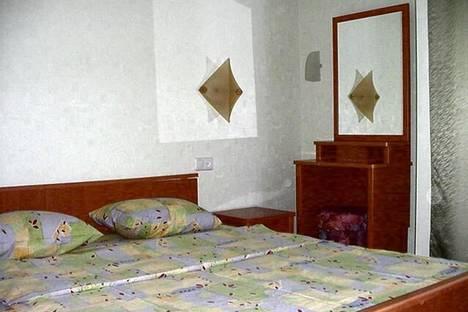 Сдается 2-комнатная квартира посуточно в Киеве, ул. Горького (Антоновича), 102.