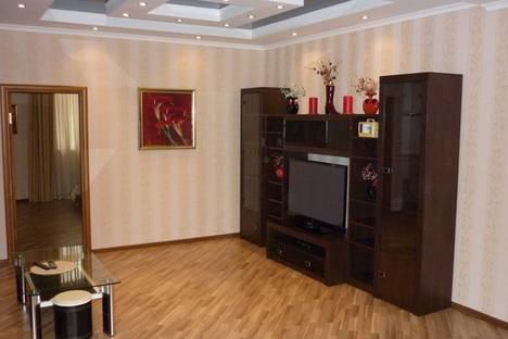 Сдается 4-комнатная квартира посуточнов Геленджике, ул. Ленина, д.9.