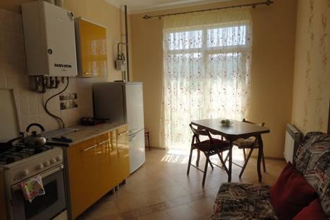 Сдается 1-комнатная квартира посуточнов Геленджике, Кабардинка ул. Спортивная, 15.