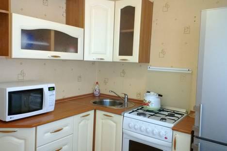 Сдается 2-комнатная квартира посуточнов Березниках, Мира , 50.