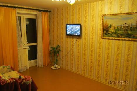 Сдается 1-комнатная квартира посуточнов Великом Новгороде, Прусская 3а.