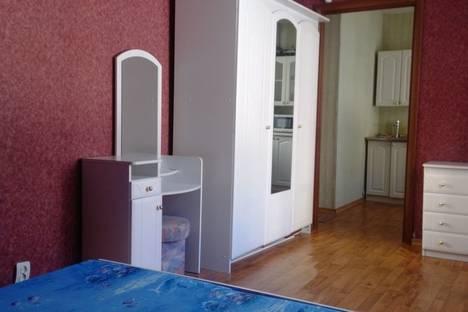 Сдается 2-комнатная квартира посуточно в Ярославле, проезд пр-д Ушакова, 26.