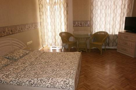 Сдается 1-комнатная квартира посуточно в Одессе, ул. Гаванная 11.