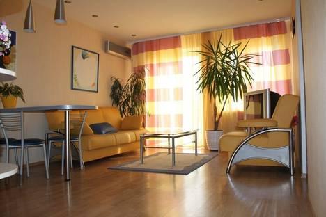 Сдается 2-комнатная квартира посуточно в Одессе, ул.Дерибасовская 20.
