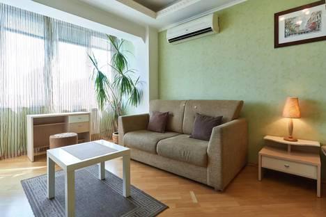 Сдается 1-комнатная квартира посуточнов Киеве, Раисы Окипной, 7-а.