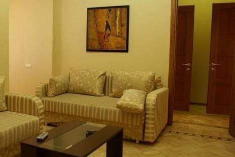 Сдается 4-комнатная квартира посуточно в Одессе, ул.Базарная 35.