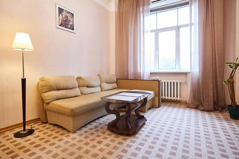 Сдается 2-комнатная квартира посуточнов Киеве, Крещатик, 27.