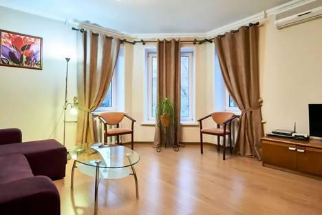 Сдается 2-комнатная квартира посуточнов Киеве, Нижний Вал, 41.