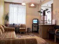 Сдается посуточно 2-комнатная квартира в Киеве. 0 м кв. Верхний Вал, 44