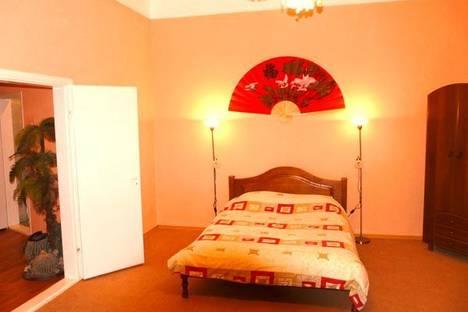 Сдается 1-комнатная квартира посуточно в Киеве, ул. Богдана Хмельницкого, 32.