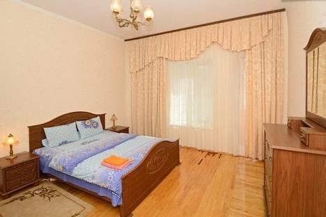Сдается 2-комнатная квартира посуточно в Киеве, Льва Толстого, 17Б.