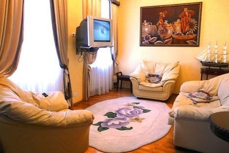 Сдается 2-комнатная квартира посуточно в Киеве, Владимирская 84.