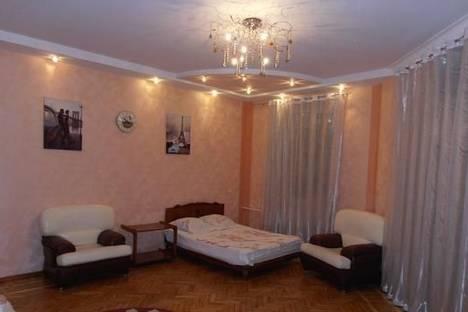 Сдается 2-комнатная квартира посуточно в Одессе, ул.Жуковского 19.