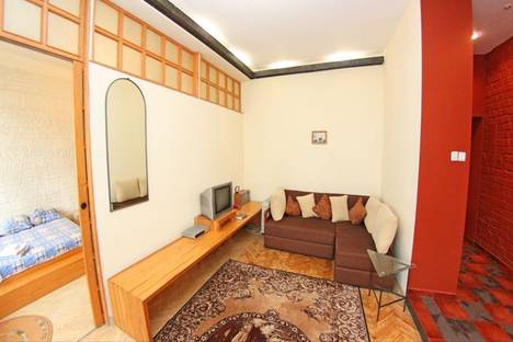 Сдается 2-комнатная квартира посуточно в Киеве, Андреевская, 11.
