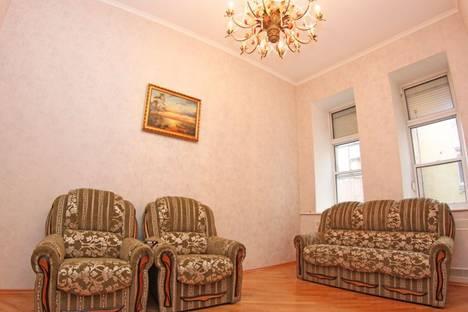 Сдается 2-комнатная квартира посуточно в Киеве, Бассейная, 3.