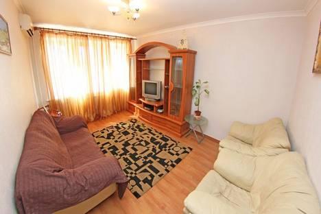 Сдается 2-комнатная квартира посуточно в Киеве, Бассейная, 11а.