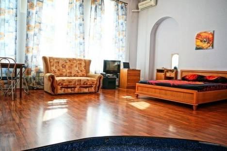 Сдается 1-комнатная квартира посуточно в Киеве, Михайловская 22А.
