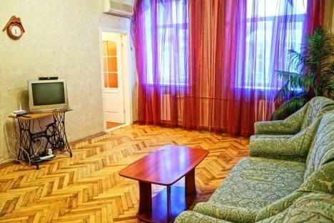 Сдается 2-комнатная квартира посуточно в Киеве, Нижний Вал 37/20.