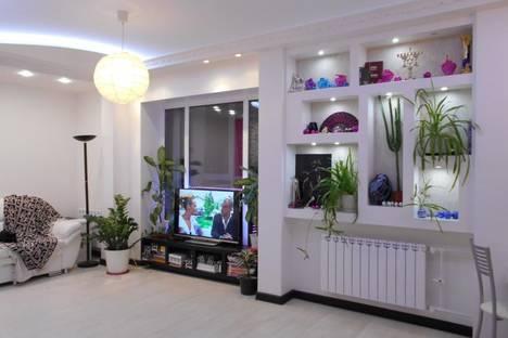 Сдается 2-комнатная квартира посуточно в Саранске, проспект 70 лет Октября, 77А.