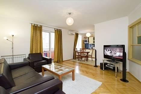 Сдается 2-комнатная квартира посуточно в Киеве, Крещатик, 4.