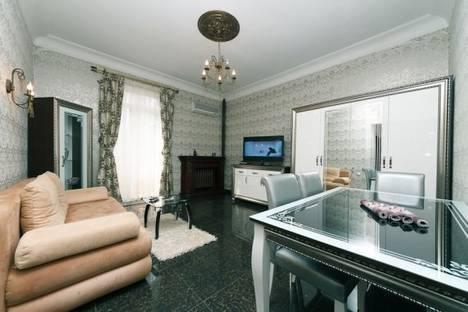 Сдается 2-комнатная квартира посуточно в Киеве, Горького , 25.