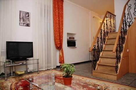Сдается 4-комнатная квартира посуточно в Киеве, Бассейная, 12.