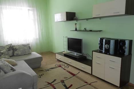 Сдается 2-комнатная квартира посуточно в Нижневартовске, ул. Нововартовская, 8.