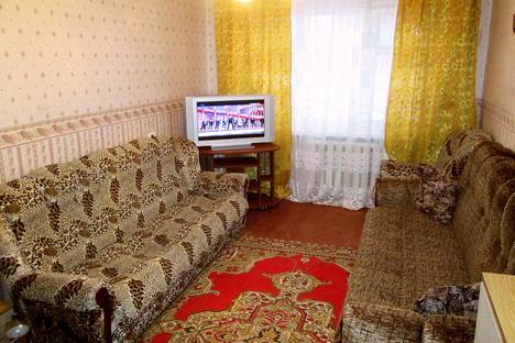 Сдается 1-комнатная квартира посуточно в Северодвинске, Карла Маркса, 35.