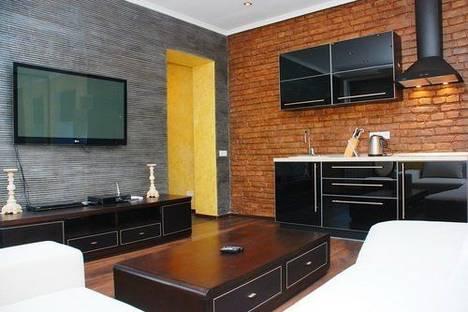 Сдается 1-комнатная квартира посуточно в Киеве, Андреевский спуск 11.