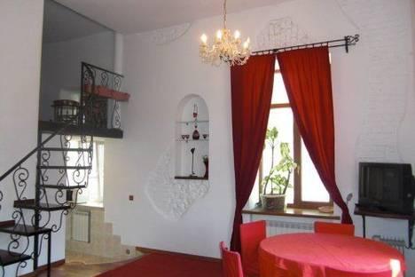 Сдается 2-комнатная квартира посуточно в Киеве, Пушкинская 9.