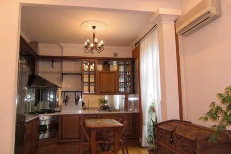 Сдается 2-комнатная квартира посуточно в Киеве, Гринченко 4.